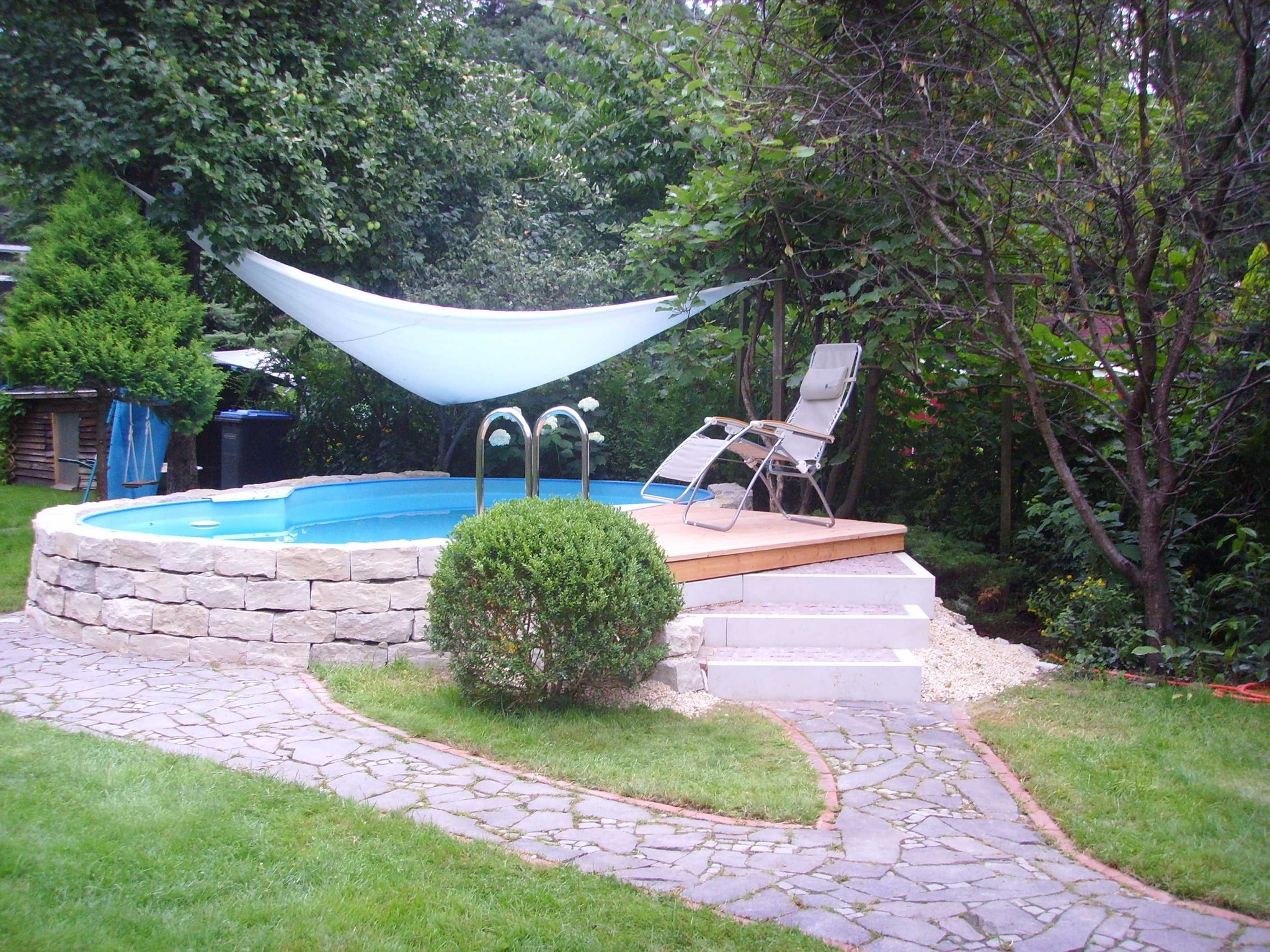 gartenideen mit pool luxurious. Black Bedroom Furniture Sets. Home Design Ideas